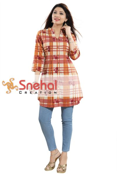 Flamboyant Checkered Womens Tunic Top with Pleats Design